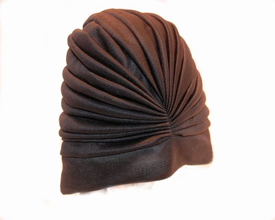 Badmuts van Beco in zwart stof met plooien