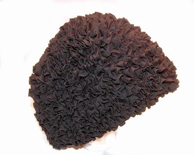 Badmuts van Beco met franje motief in het stof